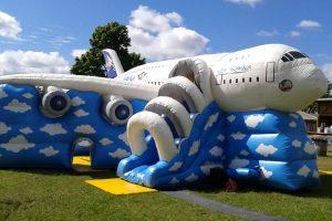 Airbus Hupfburg mit Rutsche