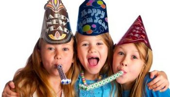 Spaßfabrik Silvester, Silvesterveranstaltung, Start ins neue Jahr, Glückskekse backen, Bleigießen, Neujahrsstecker basteln, Glücksklammer, Glücksbringer, Glückssteinschnitzen, Kinderprogramm