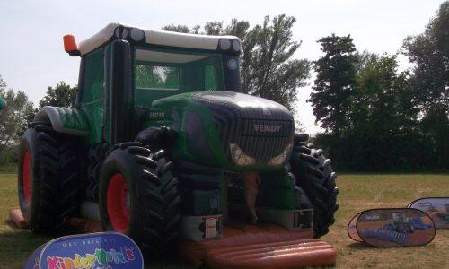 Aufblasbare Spielgeräte, Riesentraktor, Traktor, Landwirtschaft